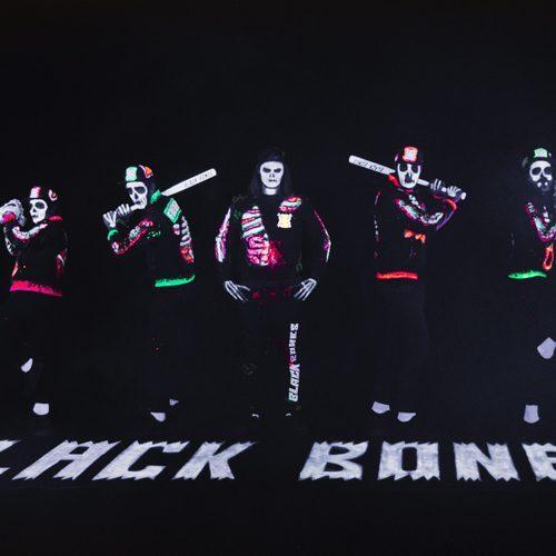 03-07-17-21h-Black-Bones-500x500